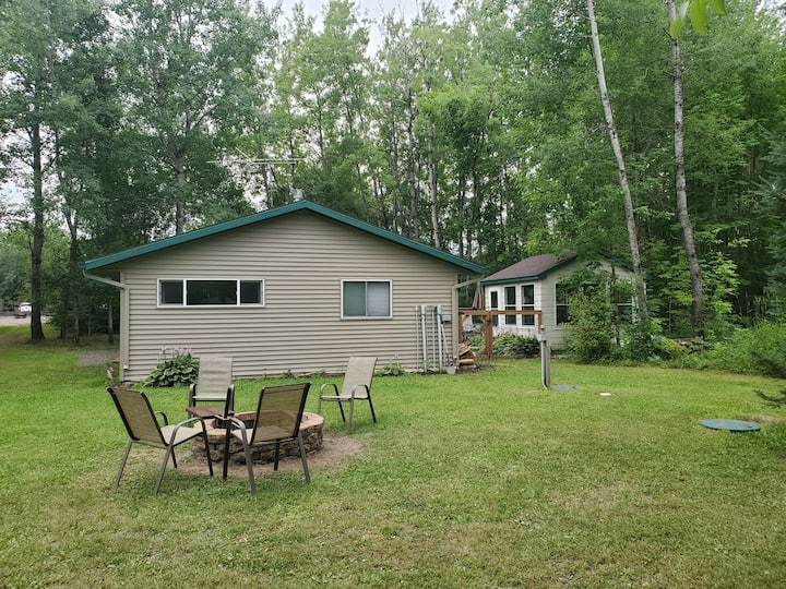 Cottage by the River/Near Duluth/Pet Friendly