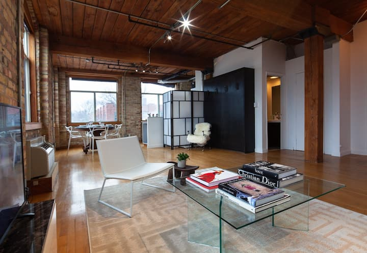The Studio - Romantic Queen West Loft