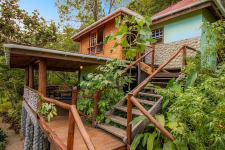 HIDEAWAYS- FouFou Cottage *25%Off Ask for details*