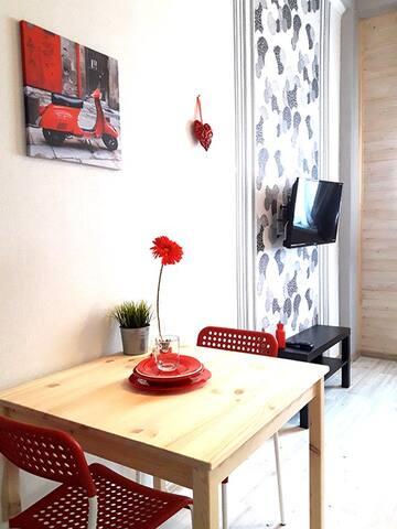 Room/Studio, Shchemilovo