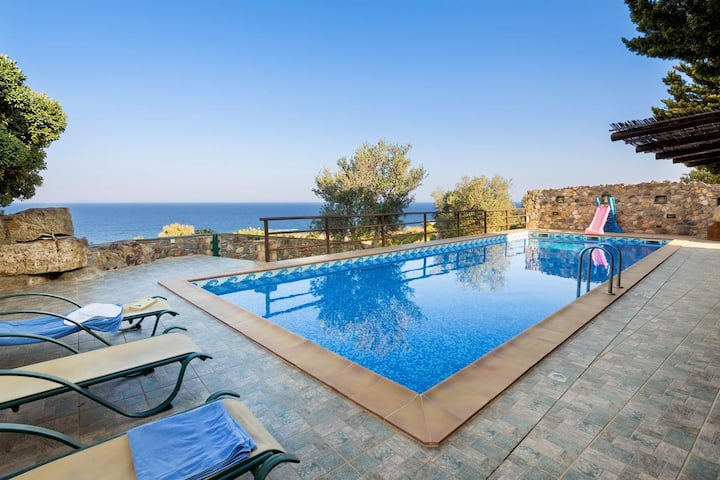 GEM VIEW VILLA with private pool