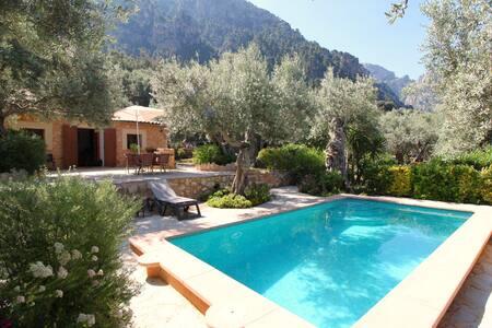 Casita en la montaña con piscina y bonito jardín - Sóller - Haus