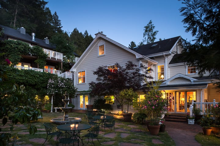 Wine Country Room - Inn at Occidental
