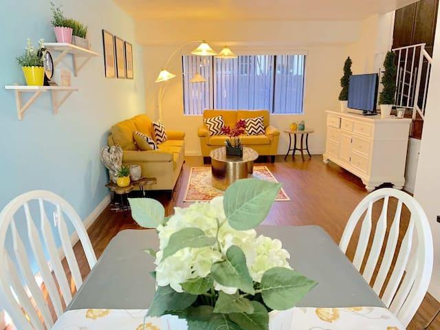 Ins style 2bedroom condo Convenient location