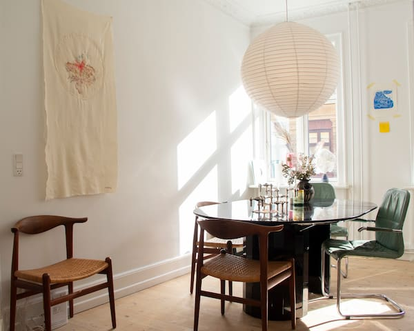 Lovely bright apartment in the heart of Vesterbro.