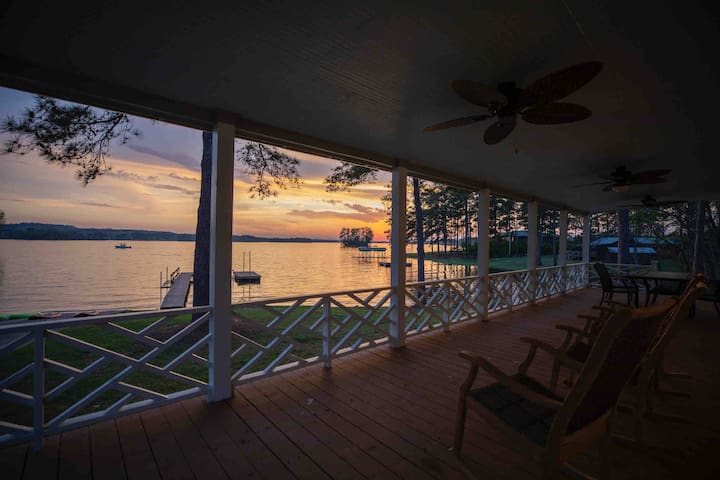 Lake Wateree Cottage w/ Huge Porch, Dock and Ramp!