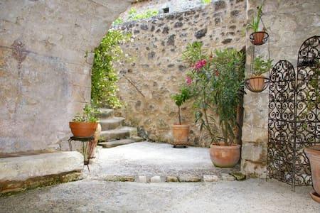 Maison de village - Haus