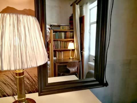 【荷塘月色A】清华校园公寓(独立房间)书桌热水卫浴空调冰箱洗衣间/ Co-Livingl