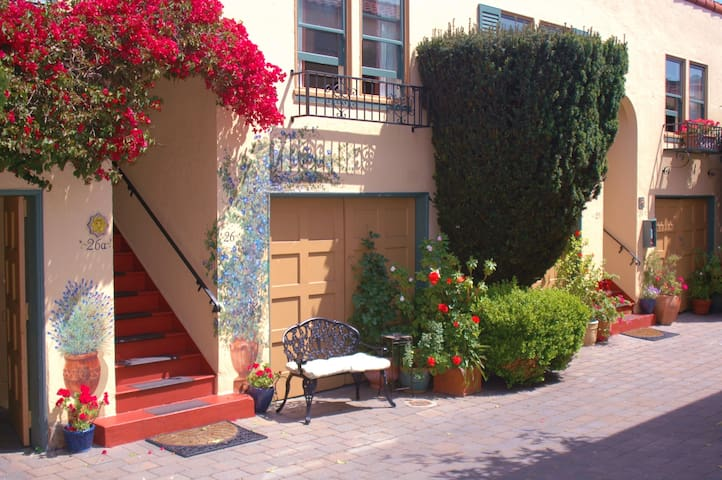 Great apt in the Marina! Full Kitchen & Parking! - San Francisco - Appartement