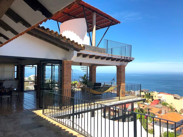 Casa Ladera penthouse in the sky!