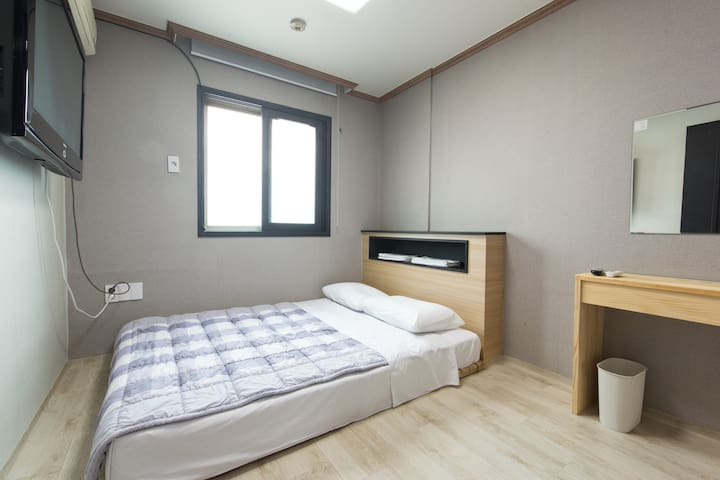 Double Room with Private Bathroom- My Hostel Nampo - 중구 - Bed & Breakfast