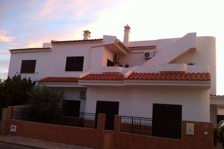Moradia V4 - Olhão - Algarve - Quelfes