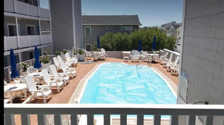 Upgraded Condo  Close to Boardwalk & Beach w/ Pool