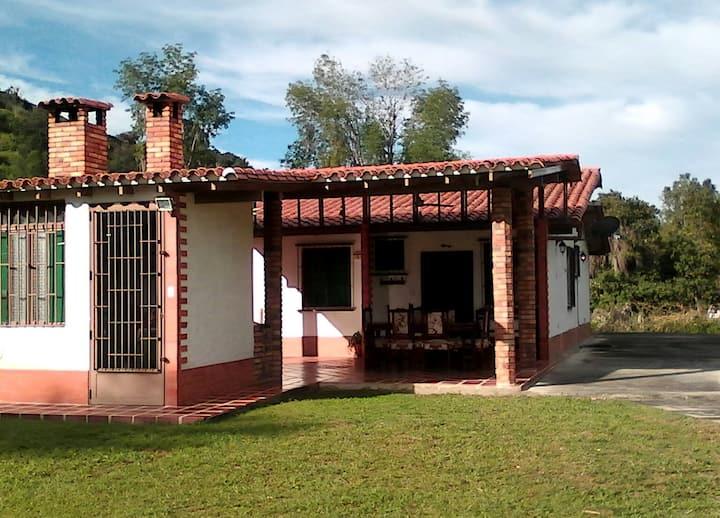 Casa de campo vacacional El Encanto del Momoy