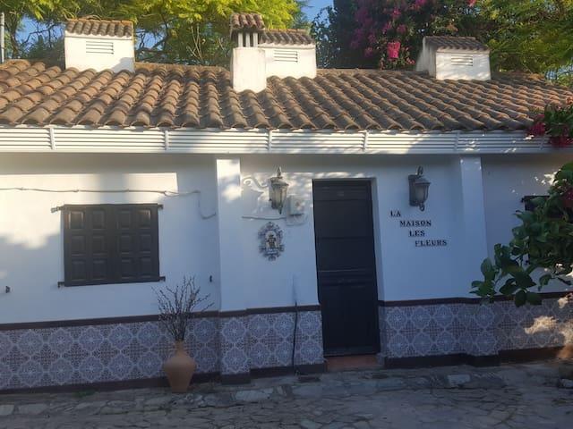 El rincón de Esmeralda ( casa Rural)