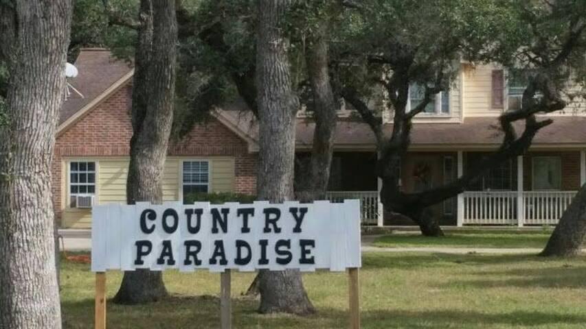 COUNTRY PARADISE B&B 1