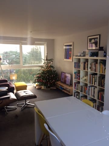 Bright, modern 5th floor 1DB flat nr town centre - Bournemouth