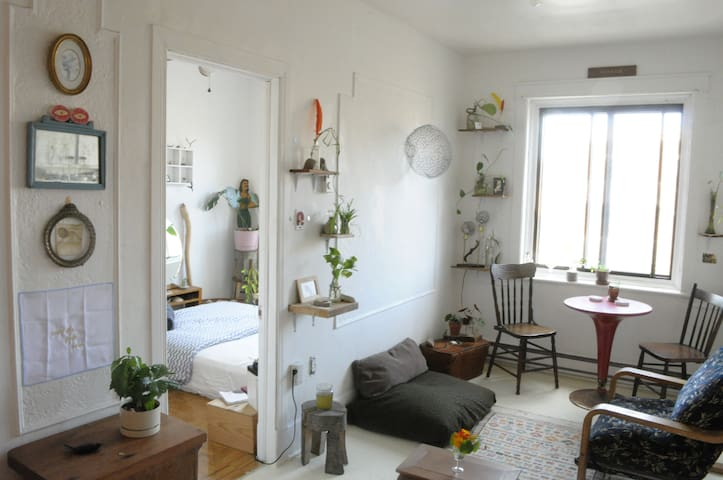 MILE-END- luminous SUBLET FEBRUARY & MARCH 2020