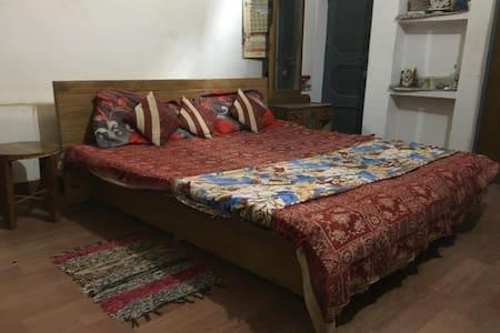 Sahaj Niwas - Prayagraj / Kumbh stay