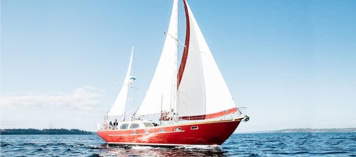 ❤️WOW! Sail Bainbridge *Romantic Stay & Sail*