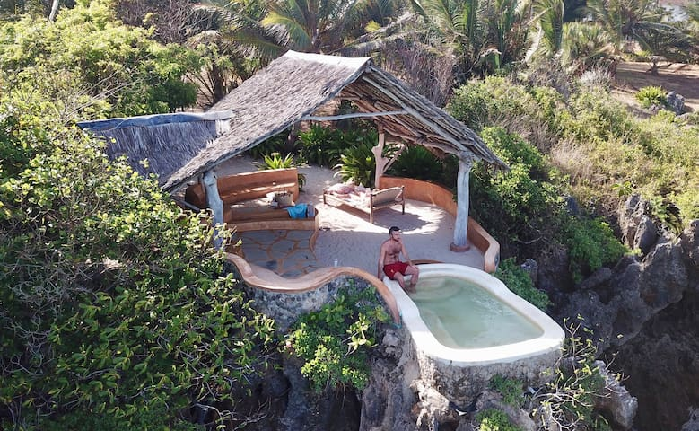 Clifftop pool for the sole use of guests of the Honeymoon Tent