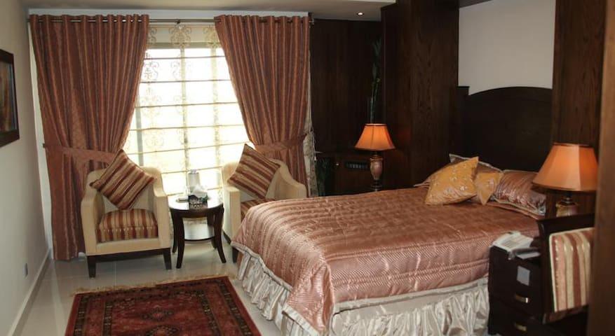 Envoy Continental Hotel, Islamabad - Islamabad - Bed & Breakfast