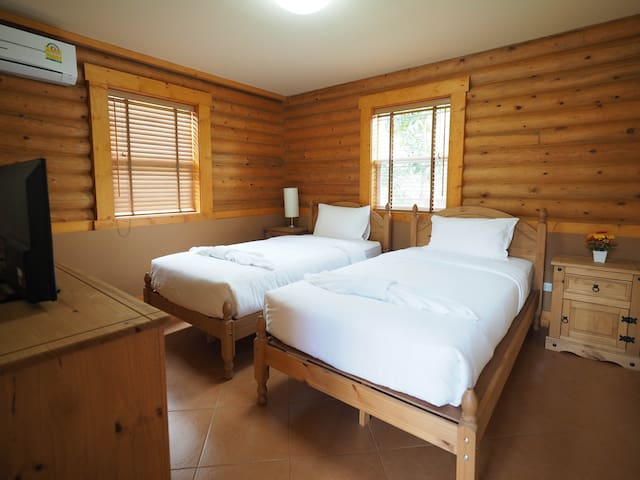 The 3rd Bedroom