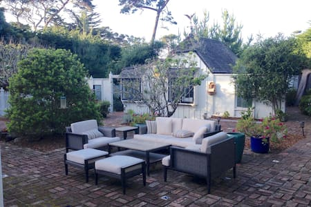Pet-Friendly* Cottage Near Beach (License #0090) - 太平洋丛林(Pacific Grove) - 独立屋