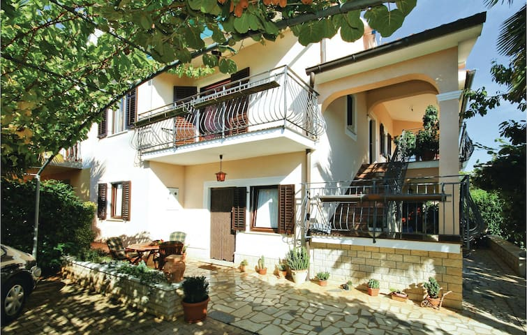 Holiday apartment with 1 bedroom on 33m² in Porec