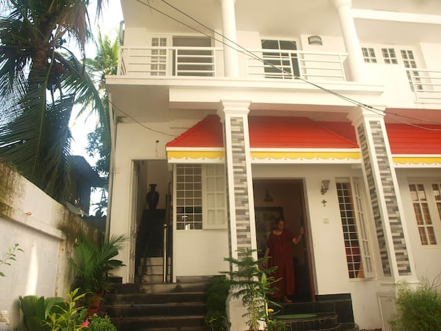 MARY GRACE HOME STAY- GUEST ROOM 2 - Kochi - Haus