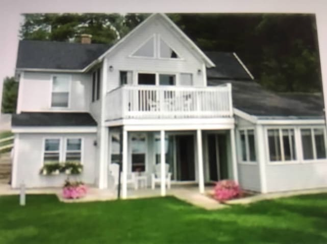 Beautiful home on Long Lake weekly - Traverse City - Huis