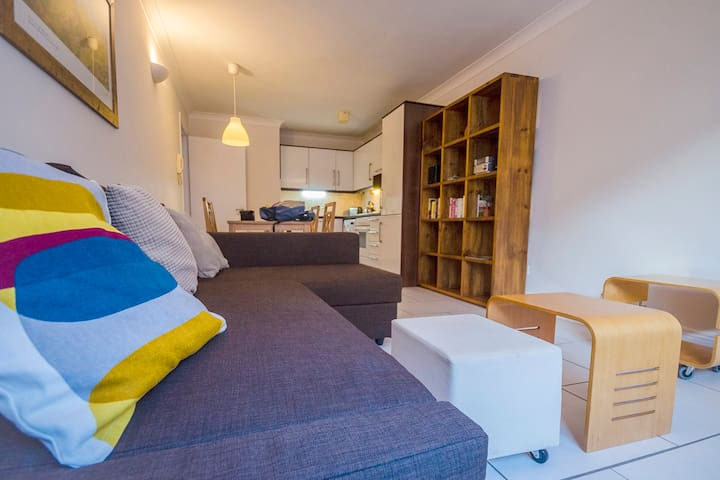 Bright Spacious Apartment in City Centre