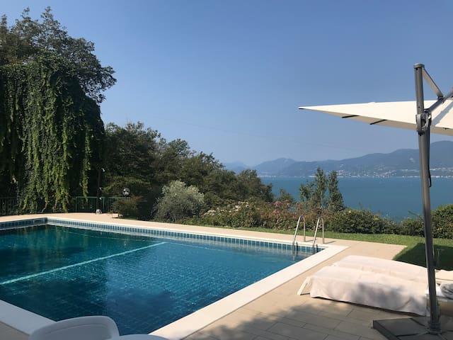 Torri del Benaco; Terrasse/ Pool/ Seeblick
