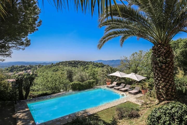 Stunning guest house with sea view, sleeps 8 - Châteauneuf-Grasse