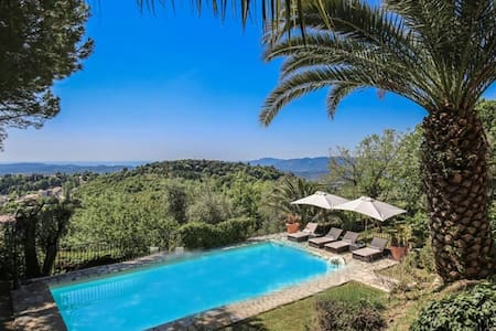 Stunning guest house with sea view, sleeps 8 - Châteauneuf-Grasse - Ev