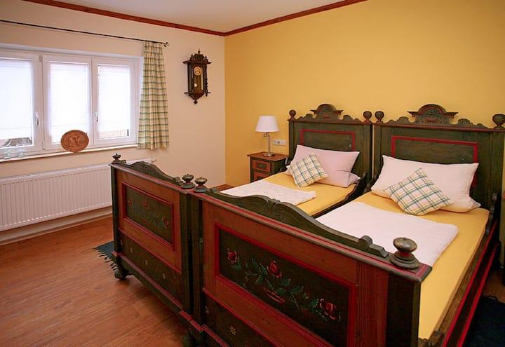 Gasthof Goldenes Rössle (Dinkelsbühl), Doppelzimmer mit Frühstück und Fernseher