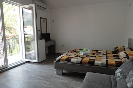 NewLine room for two + 1 - near city center #213 - Apartment