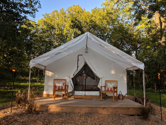 Juliette Creekside - Hawley Farm Glamping