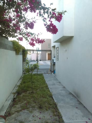 Private room 15min from Monterrey Airport - Ciudad Apodaca - Hus