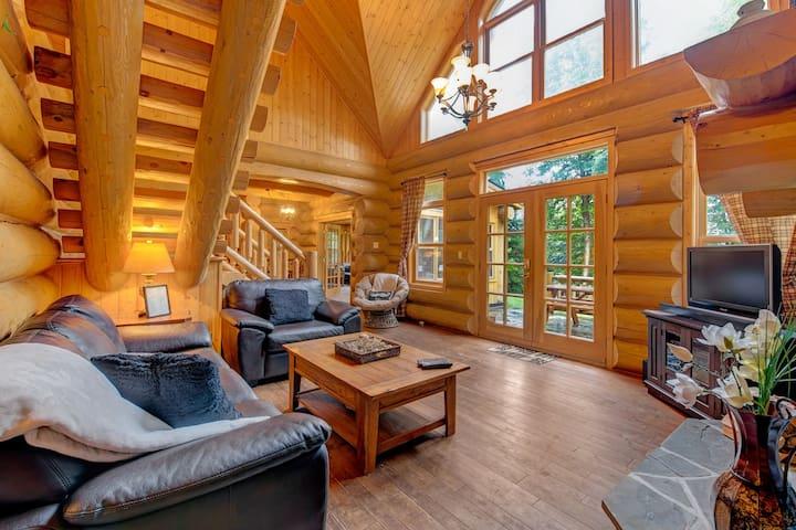 ChaletsOasis Cozy lakefront Home Near St Sauveur