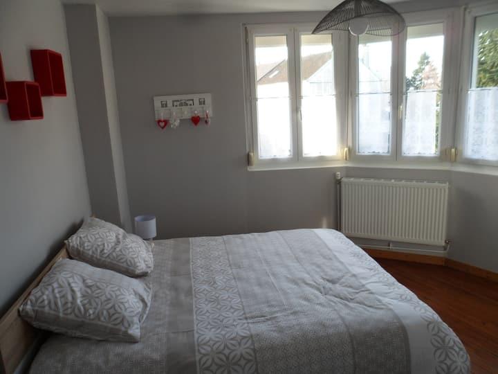 Maison individuelle lumineuse en ville (100 m2)
