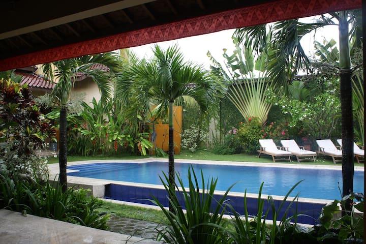 AdaWaktu,Jogja, 3 guests, comfort,terras,swim!