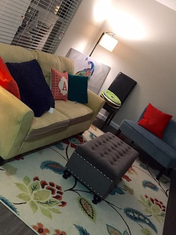 Colorful Space Convenient Location! - San Antonio - Apartamento