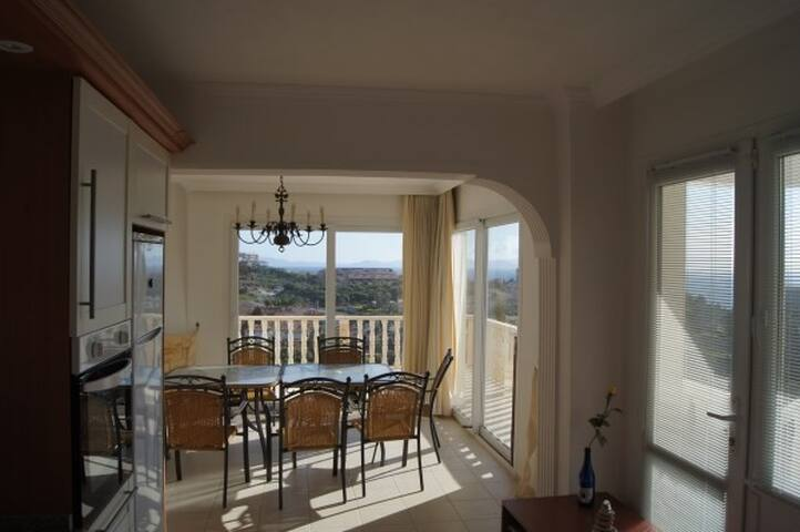 Luxury 5 bed villa for rent - Kuşadası - Hus