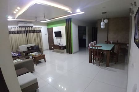 Luxury fully furnished in Alkapuri