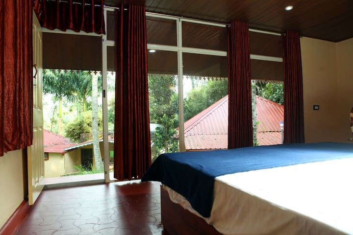 VACATION HOME- PRIVATE ROOM @ RAMAKKALMEDU-3