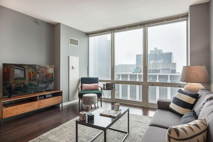 Smart 1BR in The Loop w/ Gym, near Financial District by Blueground