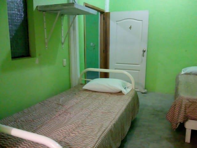 Habitación #4 privada ,segura y céntrica en cuaji