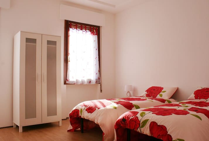 Vittorio Veneto Centro. Appartamento 4 letti. - Vittorio Veneto - Lägenhet