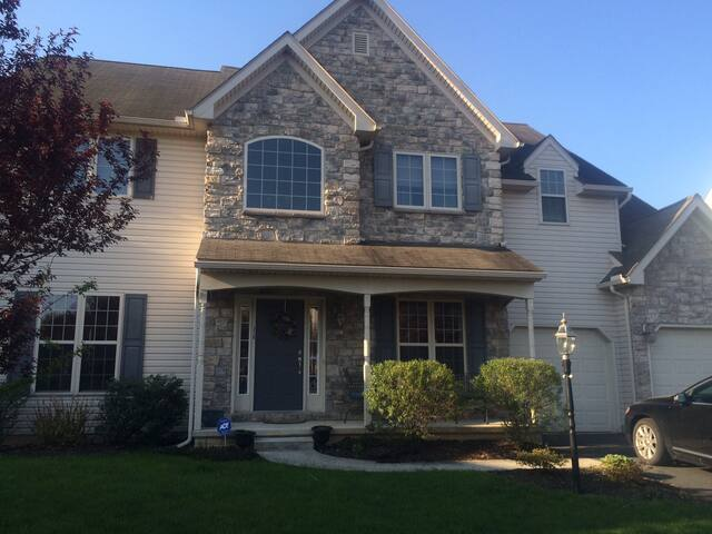 4 BR home 10 min from LGPA tourney - lancaster - Casa